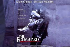 "Plus 5: Whitney Houston und Kevin Costner begeistern in ""Bodyguard""."